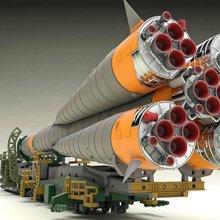 1/150 Plastic Model Soyuz Rocket & Transport Train (Rerelease)